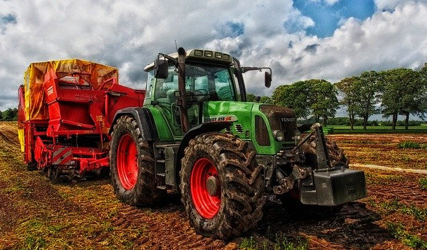 legal age to drive a tractor