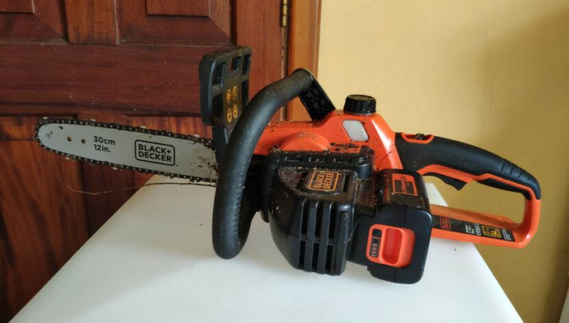 black and decker cordless chainsaw